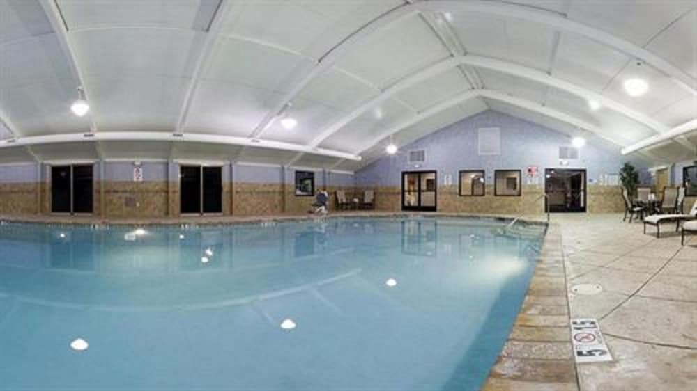 Indoor Pool, Holiday Inn South Plainfield-Piscataway, an IHG Hotel