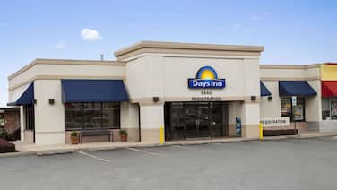 Days Inn by Wyndham Frederick