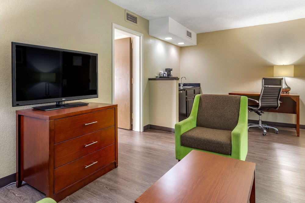 Room, Comfort Inn At the Park