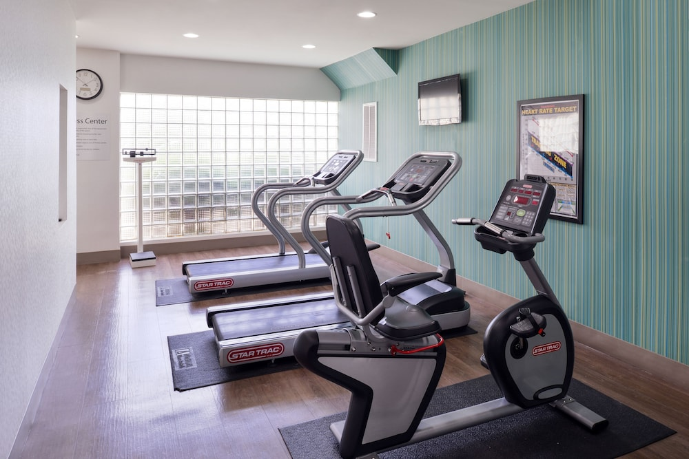 Fitness Facility, Holiday Inn Express Burlington, an IHG Hotel