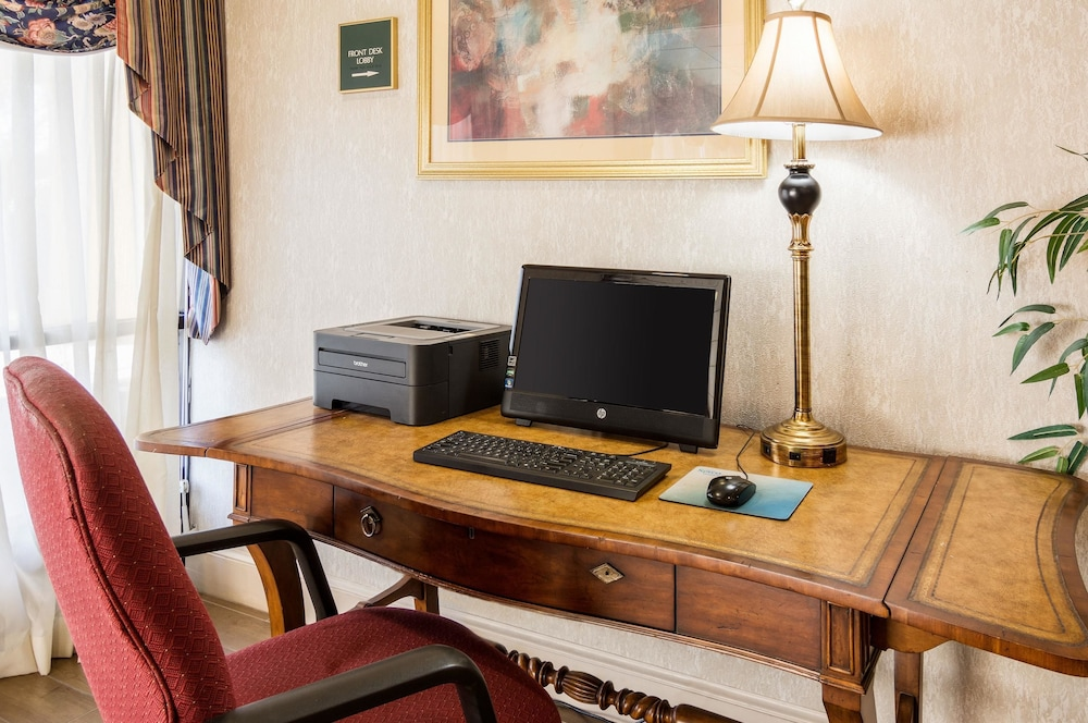 Business Center, Quality Inn Near Joint Base Andrews-Washington Area
