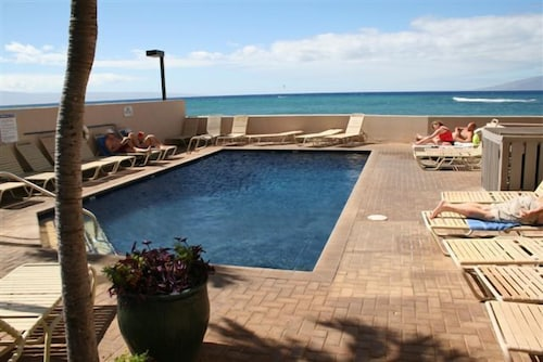Kahana Beach Vacation Club In Lahaina Hotel Deals Rates Reviews On Tickets