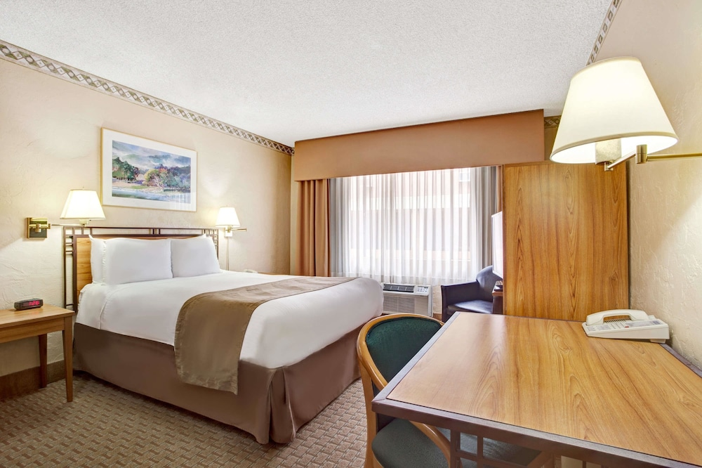 Travelodge By Wyndham Seattle By The Space Needle Deals