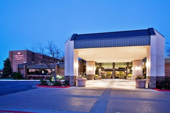Crowne Plaza Grand Rapids - Airport