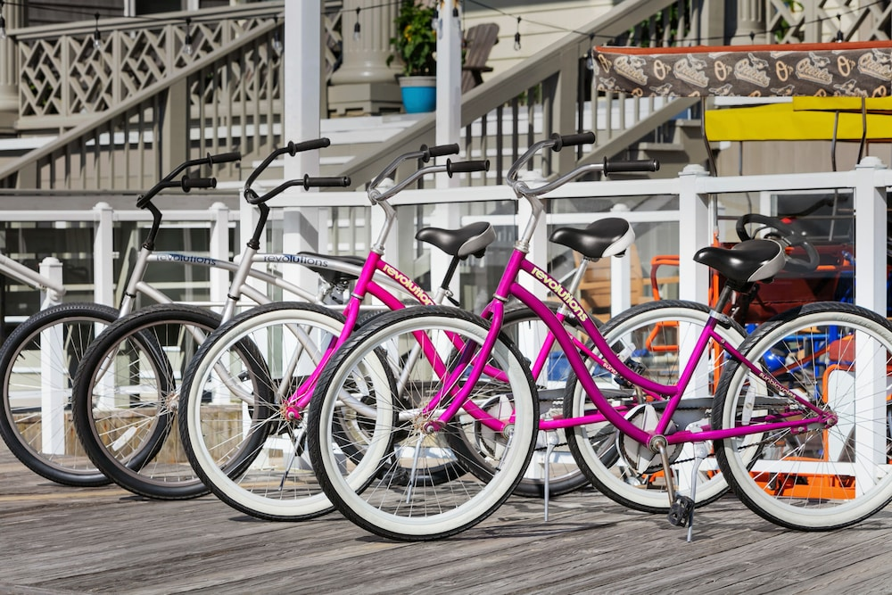 Bicycling, Quality Inn Boardwalk