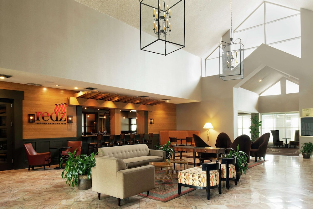 Lobby, DoubleTree Suites by Hilton Hotel Mt. Laurel