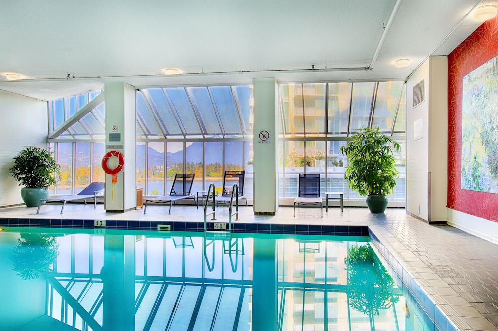 Indoor Pool, Pinnacle Hotel Harbourfront