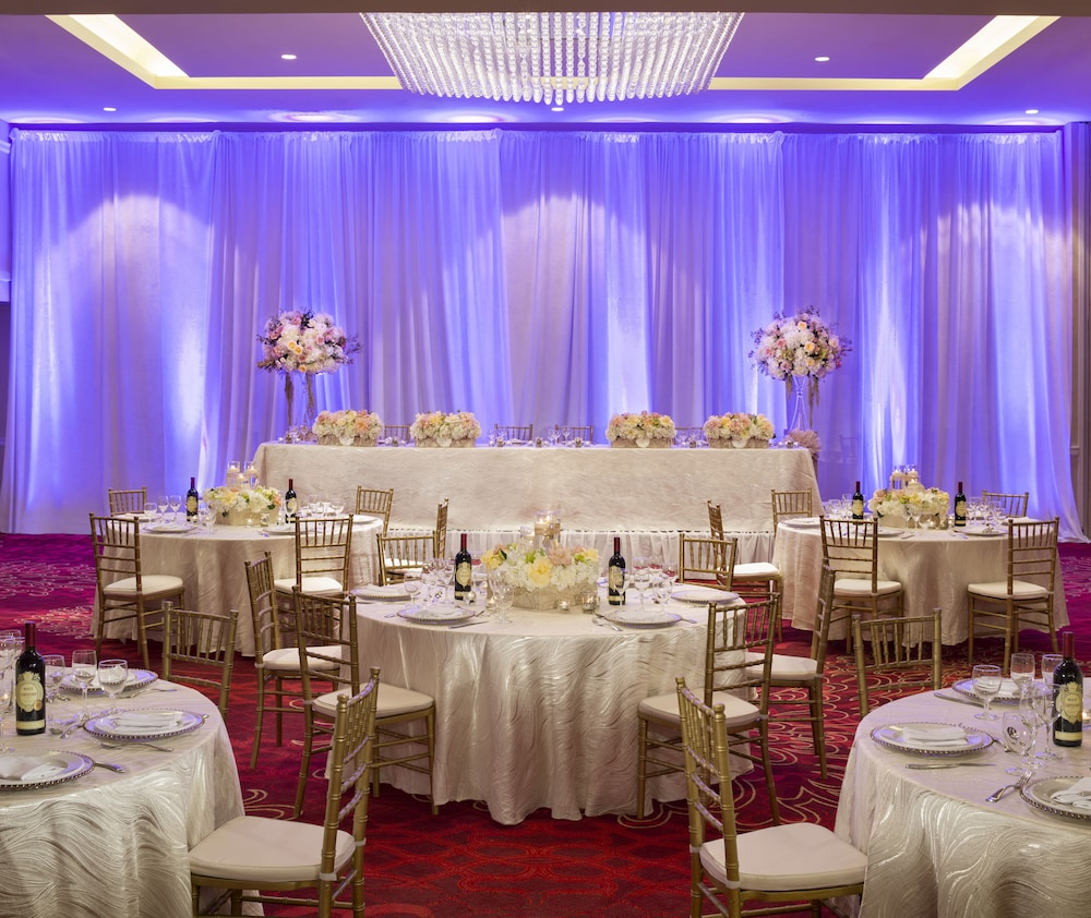 Indoor Wedding, Pinnacle Hotel Harbourfront