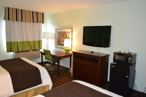 Days Inn & Suites New Buffalo
