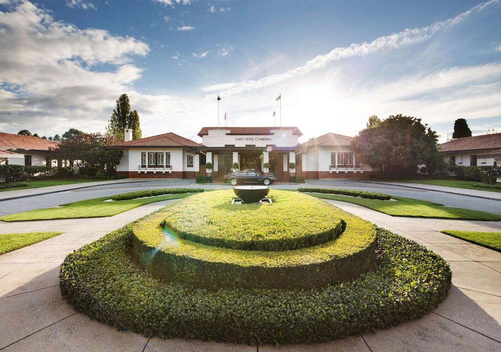 Hyatt Hotel Canberra – a Park Hyatt