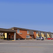 Americas Best Value Inn & Suites St. Cloud