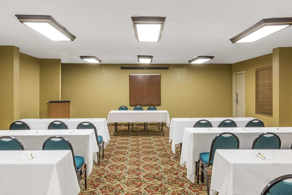 Meeting Facility, FairBridge Inn Express Metairie