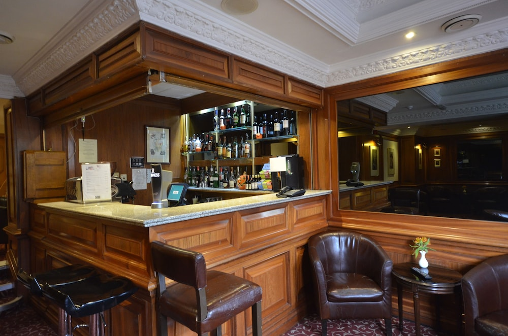 Bar, Best Western Burns Hotel Kensington