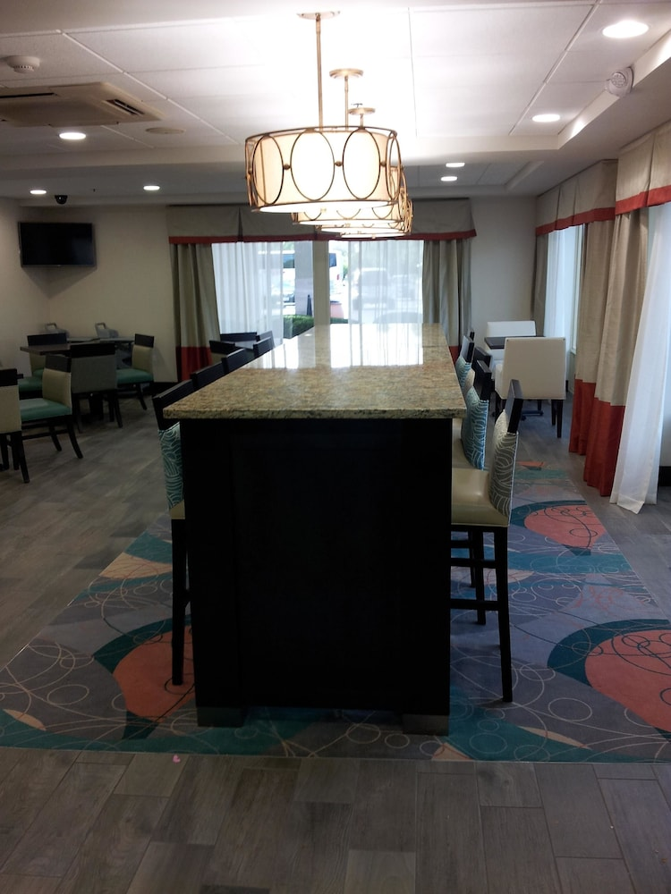 Best western chicagoland countryside in countryside for Best countryside hotels