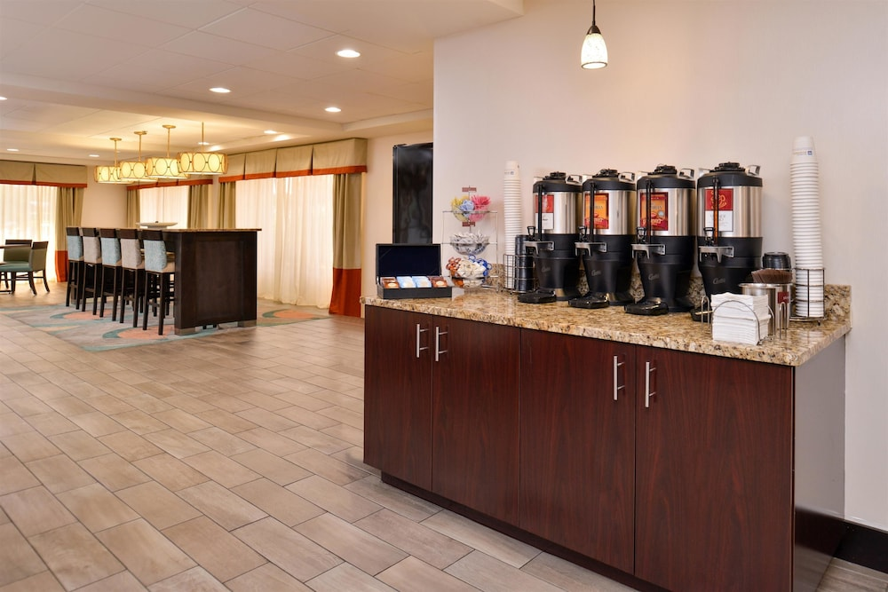 Best western plus chicagoland countryside reviews for Top rated hotels in chicago