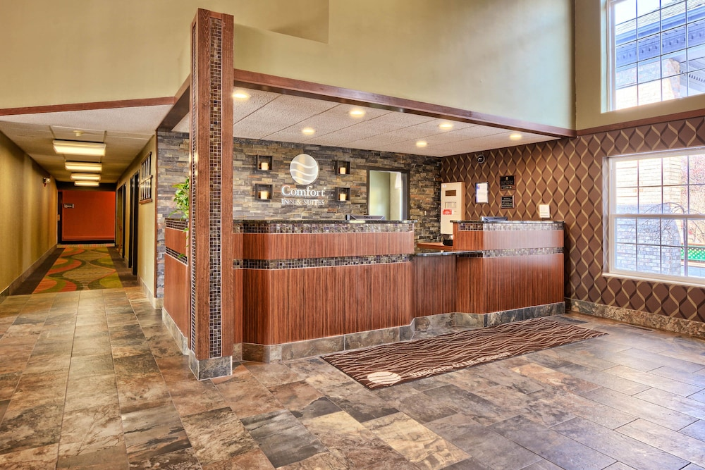 Lobby, Comfort Inn & Suites and Conference Center