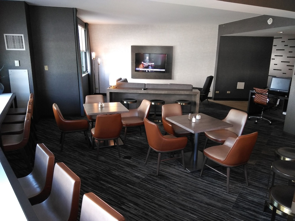 Executive Lounge, Chicago Marriott at Medical District/UIC