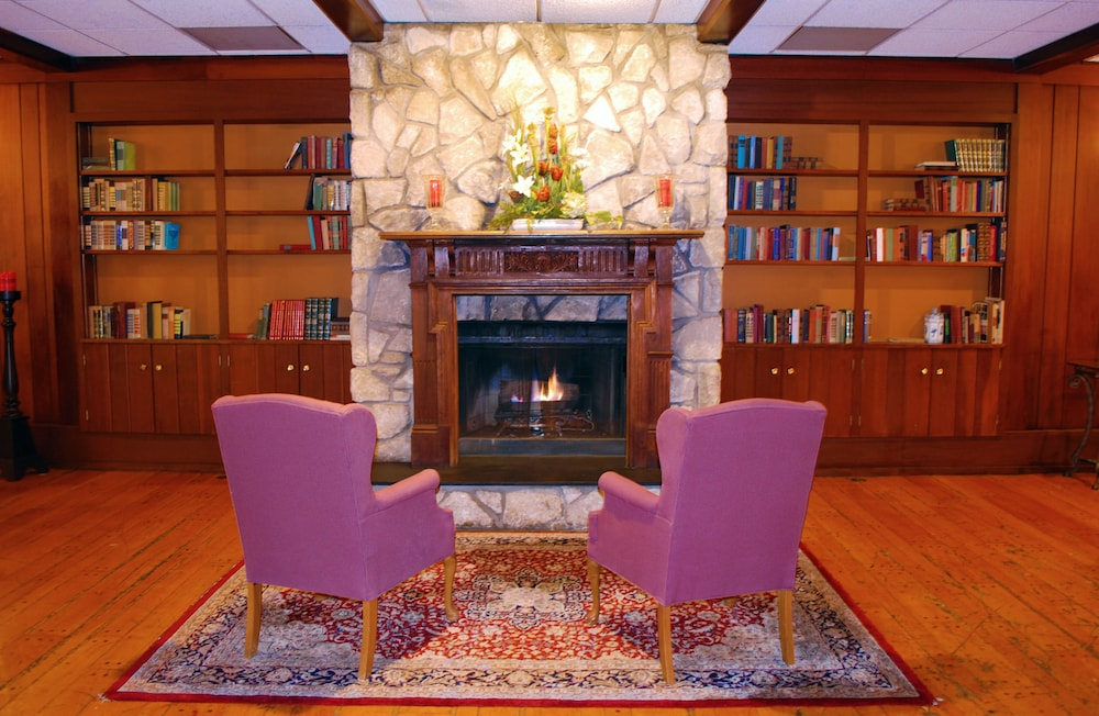 Library, Lakeview Golf Resort, Trademark Collection by Wyndham