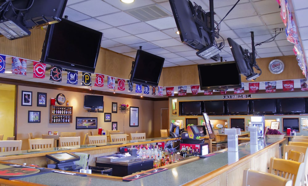 Sports Bar, Lakeview Golf Resort, Trademark Collection by Wyndham