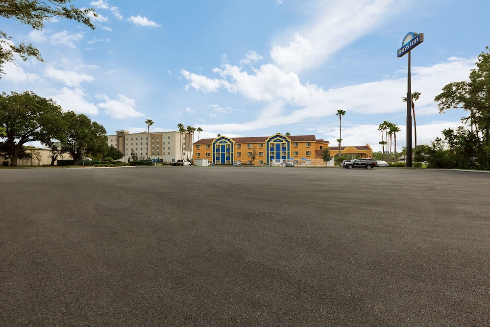 Front of Property, Days Inn by Wyndham Orange Park/Jacksonville