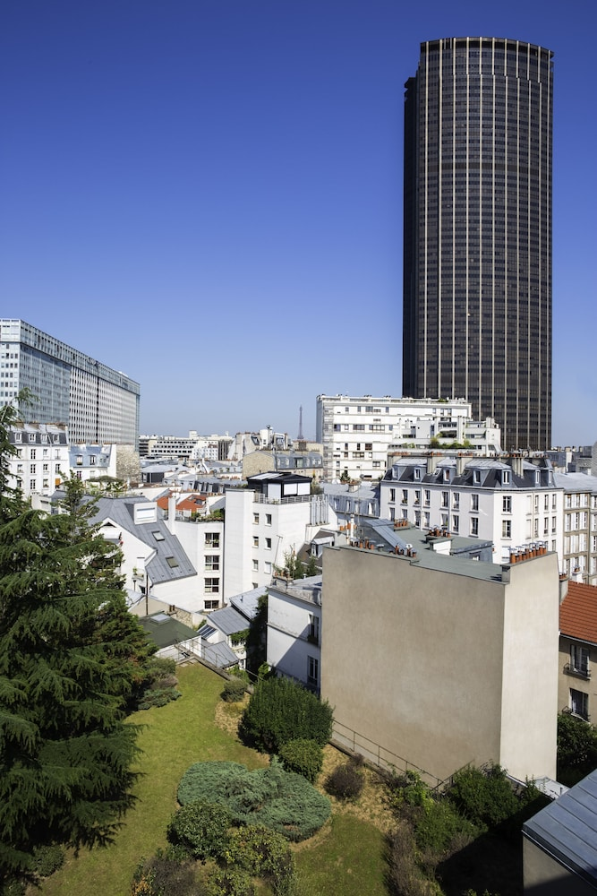 View from Property, Mercure Paris Gare Montparnasse