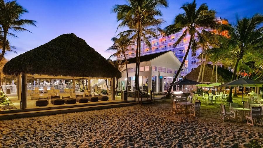 Beachcomber Resort & Club