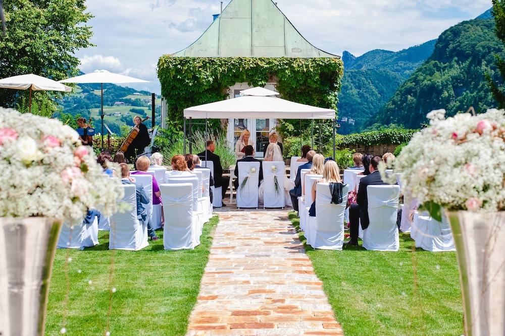 Outdoor Wedding Area, Schloss Mönchstein Hotel