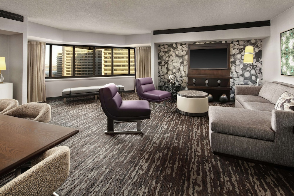 Room Amenity, Embassy Suites by Hilton Crystal City National Airport