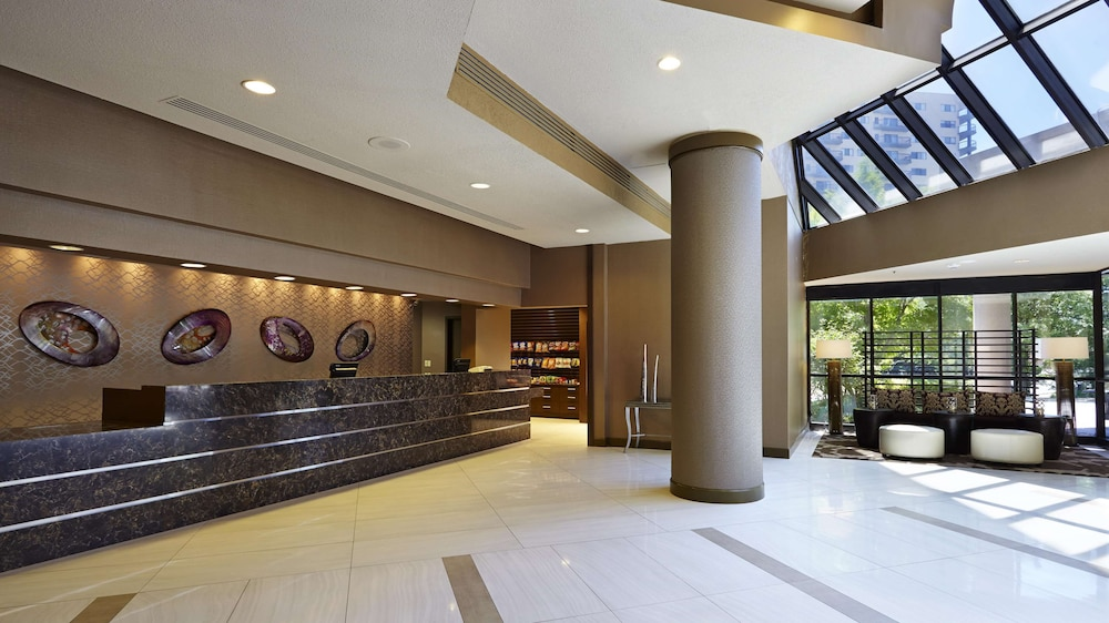 Reception, Embassy Suites by Hilton Crystal City National Airport