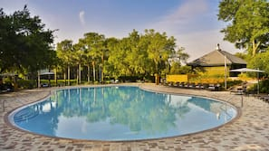 5 outdoor pools, open 9:00 AM to 11:00 PM, free cabanas, pool umbrellas