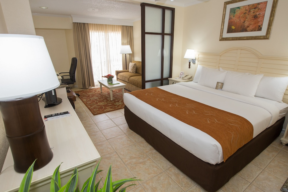 Comfort suites paradise island in nassau hotel rates for Paradise motor inn prices