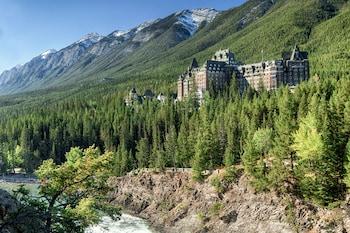 カナダへ女子二人旅を計画しています。おすすめのホテルを教えてください。