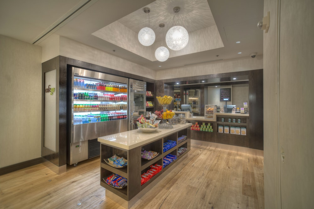 Food and Drink, DoubleTree by Hilton Washington DC - Crystal City