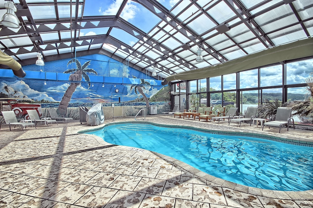 Indoor Pool, Wyndham Garden Cross Lanes Charleston