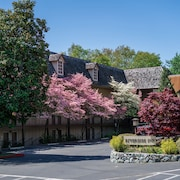 Riverside Inn
