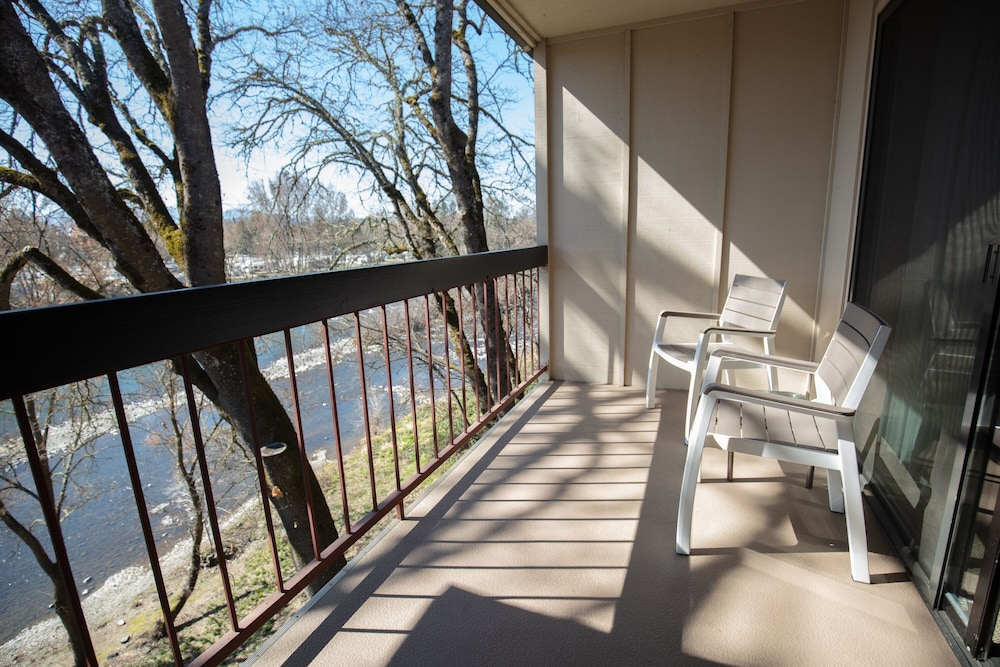 Balcony, Riverside Inn