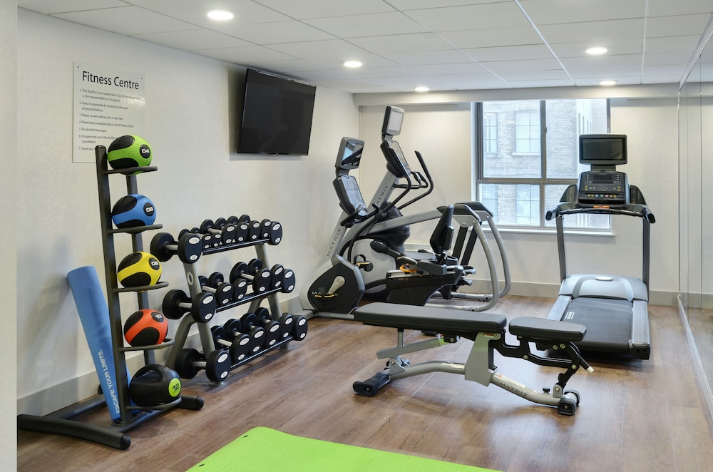 Fitness Facility, Holiday Inn Express Toronto - Downtown, an IHG Hotel