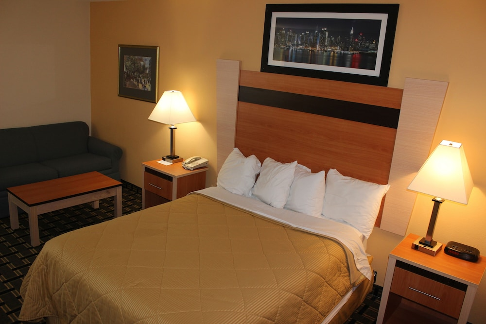 Room, Baymont by Wyndham North Dartmouth