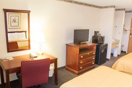 In-Room Business Center, The View Inn & Suites
