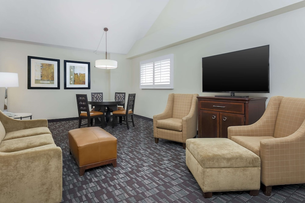 Living Area, Embassy Suites by Hilton New Orleans