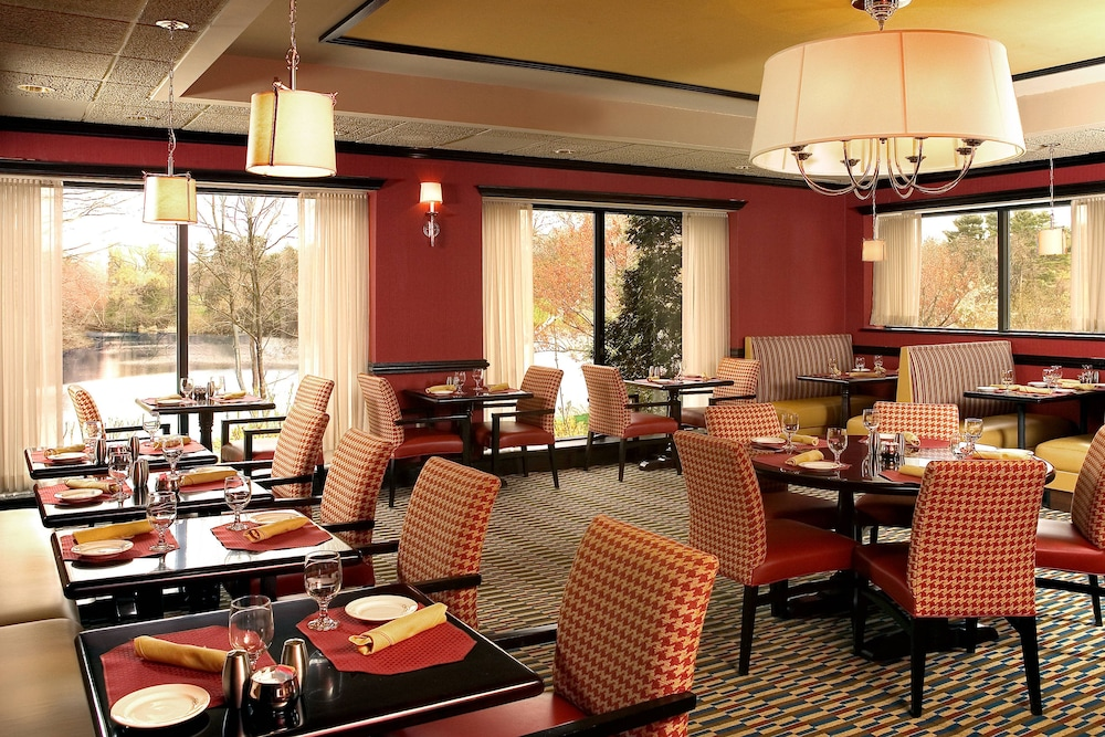 Restaurant, Four Points by Sheraton Wakefield Boston Htl&Conference Cntr