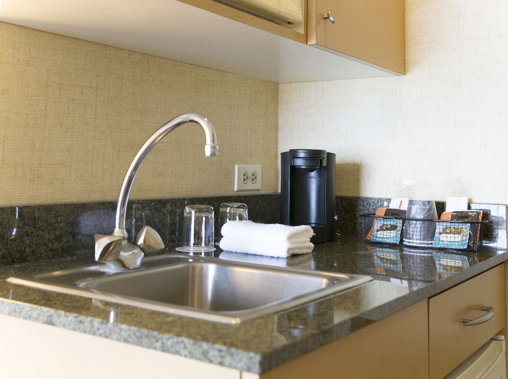 Private Kitchenette, Waikiki Resort Hotel