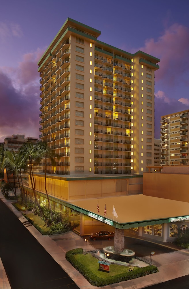 Front of Property - Evening/Night, Waikiki Resort Hotel