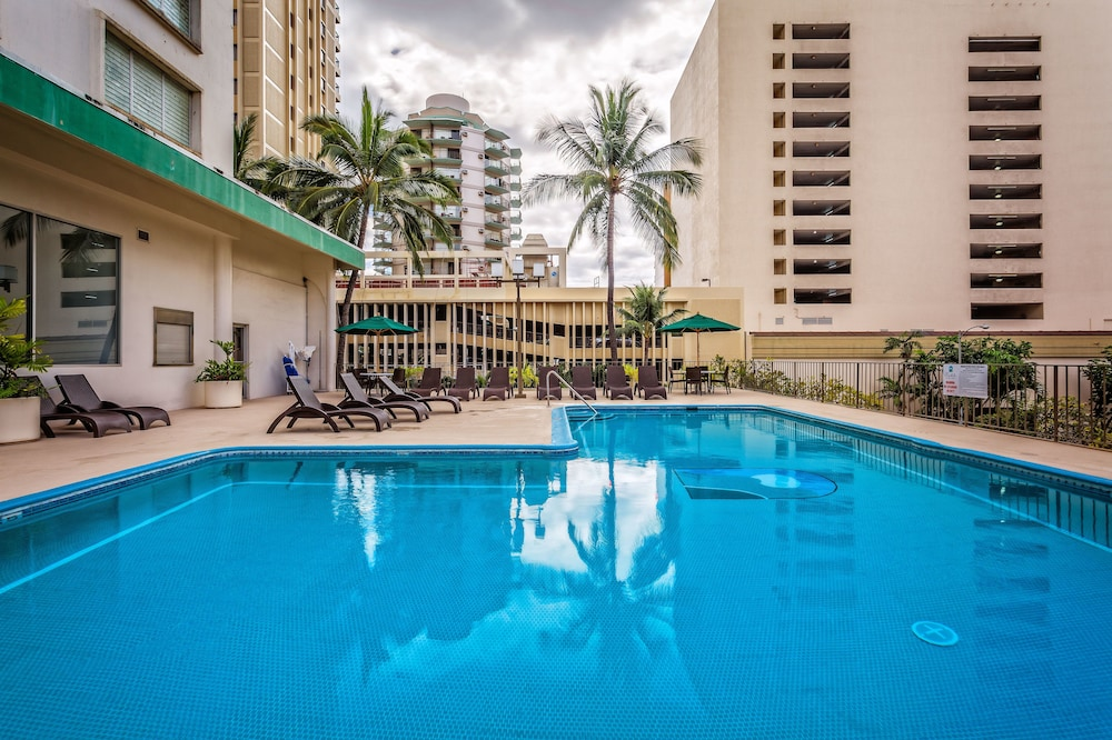 Outdoor Pool, Waikiki Resort Hotel
