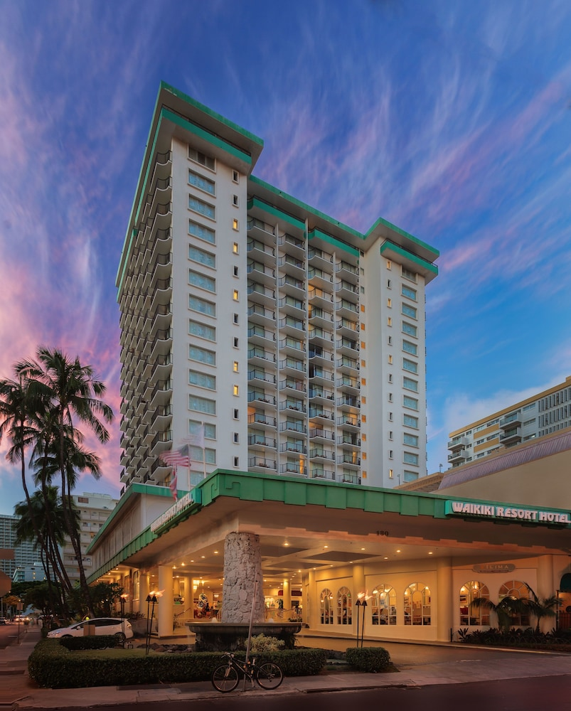 Front of Property, Waikiki Resort Hotel