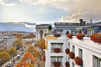 パリで凱旋門のカウントダウンへ行くのにおすすめのホテル