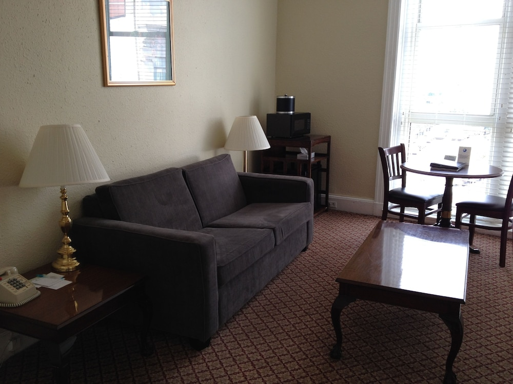 Living Area, Boston Hotel Buckminster
