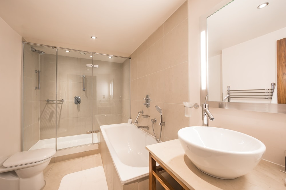 Bathroom, The Cavendish London