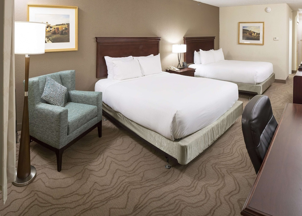 Room, DoubleTree by Hilton Boston - Milford