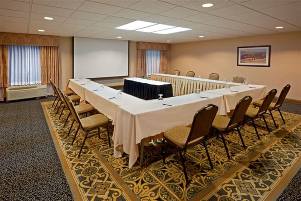 Meeting Facility, DoubleTree by Hilton Boston - Milford